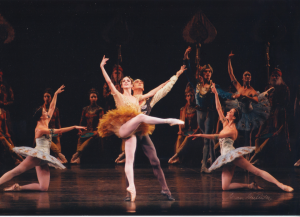 Sandra Brown performing Gamzatti in La Bayadere with partner Julio Bocca at American Ballet Theatre