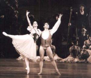 Sandra Brown performing Peasent Pas de Deux from Giselle with partner Joaquin de Luz