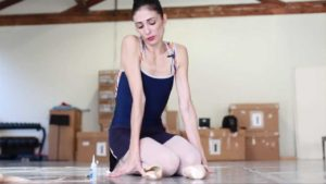 Arantxa Breaks in her Pointe Shoes