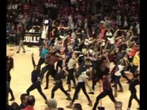 The Joffrey Ballet Flash Mob at the Bulls Game